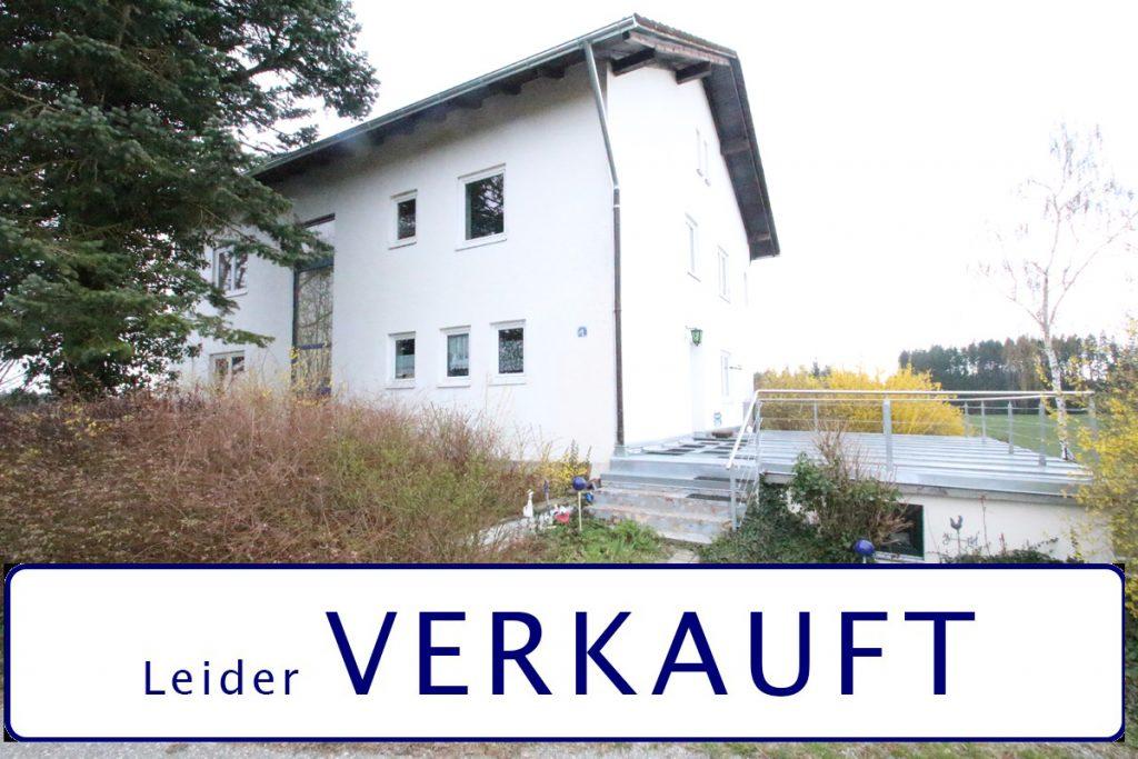 Hofstelle / Anwesen in 84180 Wendelskirchen/Loiching mit 6.200 m² Grund
