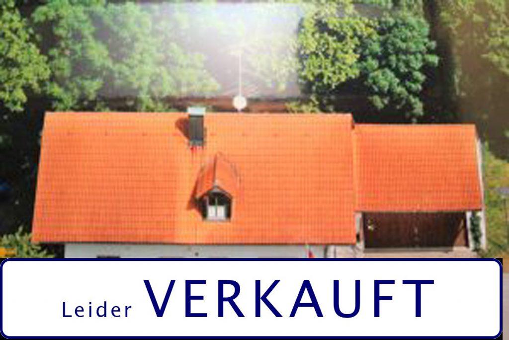 Freistehendes Einfamilienhaus, zentrale Lage in Buch am Erlbach