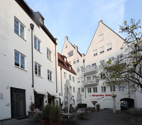 Dreifaltigkeitsplatz 11,11a, Landshut (3)