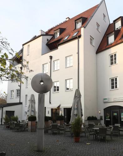 Dreifaltigkeitsplatz 11,11a, Landshut (4)